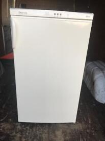 Undercounter Freezer- Servis