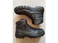 Mens work boots size 12 (46) gore-tex