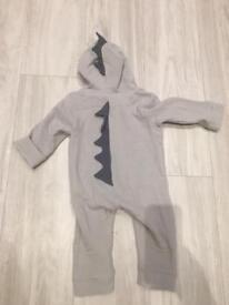 Grey lightweight linen dinosaur onesie jumpsuit unisex. Boys or girls 6-9 months (more 6/7)