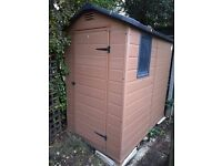 EASY TO MAINTAIN PLASTIC WOOD EFFECT 6x4 SHED IN EXCELLENT CONDITION