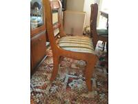 High quality Extendable solid wood table and 6 chairs, very good condition