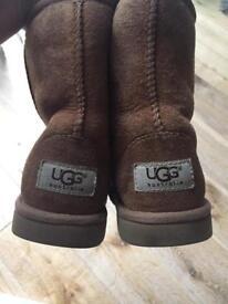 Kids UGG genuine size 10 tan