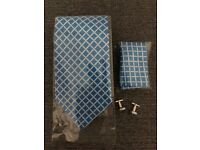 BRAND NEW - Men's Tie & Cuff Links - matching Pocket Square