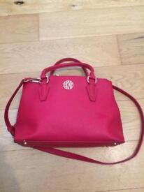 Beautiful red DKNY Handbag in excellent condition
