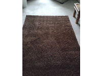 Large Brown Rug. Very Good Condition. 132cm X 100cm