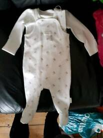 lovely suit hars & dreams. 3/6 month. new.