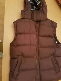 Men's padded sleeveless jacket