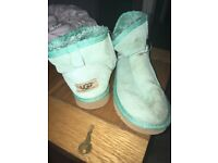 Size 5 ankle ugg boots