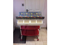 BABY WEAVERS CHANGING/BATH STATION GREAT CONDITION