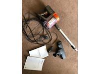 Goodman 2 in 1 compact vacuum
