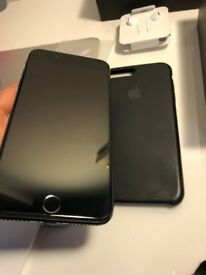 iPhone 7 Plus 125GB - Jet Black + Apple black - UNLOCKED + NEW Accessories