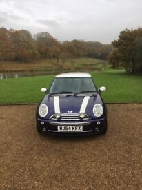Mini Cooper mini hatch 1.6 16v 2004 extensive service and maintenance history. Immaculate .