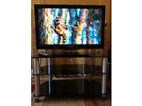 32 inch Samsung LE32C650 HD Freeview TV & Stand