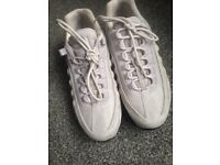Excellent condition latest beige suede Nike Air Climax 95
