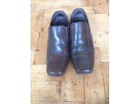 Mens classic Linear shoes size 8 (42)
