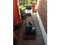 Suffolk punch 35s lawn mower spares or repair but had it running