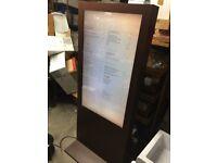 "46"" Freestanding Digital Signage Advertising Screen (Monitor, LCD, LED)"