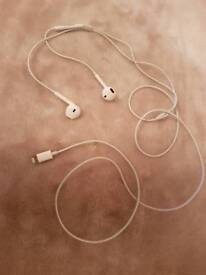 Apple iPhone headphones ,lightning Earpods , with lightning cable ,( Original)