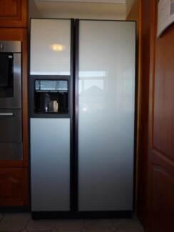 GE GLASS DOOR SIDE BY SIDE REFRIGERATOR Monterey Rockdale Area Preview