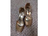 Women's Sparkly seasonal shoes, size 4
