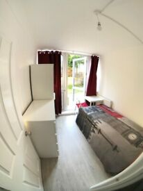 ~~~~ LOVELY SINGLE ROOM BRAND-NEW FLAT (ALL BILL INCLUSIVE)