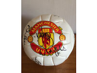 MANCHESTER UNITED 1st TEAM SQUAD 1999-2000 SIGNED FOOTBALL-RARE