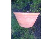 TERRACOTTA GARDEN POT VINTAGE WAVE DESIGN