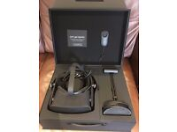 Oculus Rift VR Headset with Touch controllers and Xbox one controller (Like New)