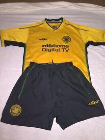 Boys Celtic football strip