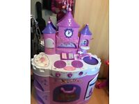 Kids Disney princess kitchen good condition easy to transport