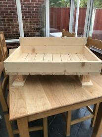 A new handmade wooden pallet dog bed