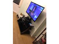 Cantilever TV/plasma/LCD stand