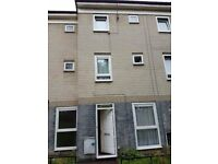 Downsizing! 4 bed looking for 2 bed