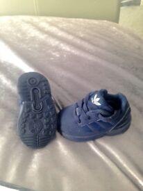 Babies navy adidas flux size 3