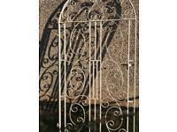 Solid metal gate