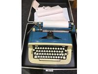 typewriter imperial safari