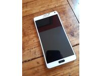 Samsung Galaxy Note 4 (White/Screen in perfect condition/Phone works perfectly/Original charger)