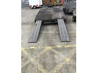 LM146 beaver tail trailer with ramps