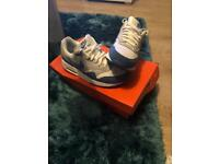 Nike Air Max Blue/Sliver/White Size 4