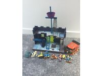 SCOOBY DOO AND THE PIRATE FORT PLAYSET