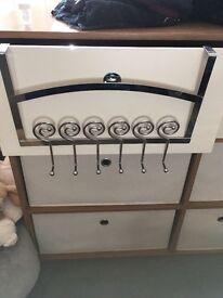 Door hooks/hanger