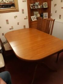 harveys extendable dining table with 6 chairs