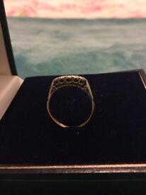 18ct gold & platinum ring with inset diamonds (offers taken)