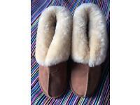 EMU sheepskin ladies Slippers size 5