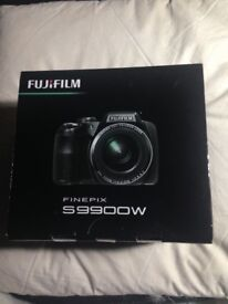 FUJIFILM S9900W CAMERA