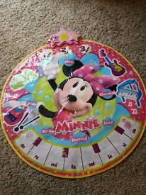 Minnie mouse stand & dance mat