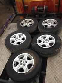 Land Rover x5 alloys 195/80r15