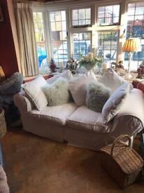 Sofa lovely cream jacquard print