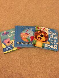 Small child's bundle of hardcover books(Peppa Pig, Raa raa)
