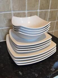 Set of dinner plates and bowls